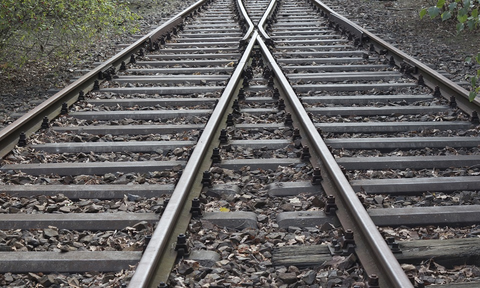 splitting railroad, double-track railroad, rail tracks