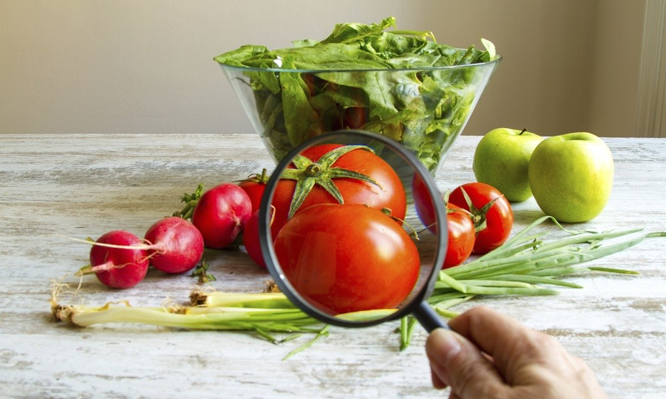 Analysing food, pesticides free vegetables